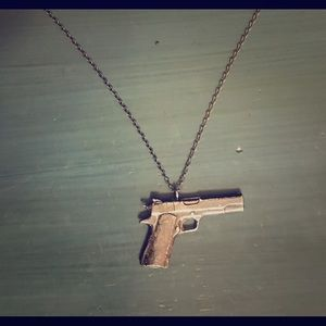 moss mills Sterling Silver Gun Necklace